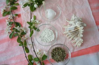 Kokosöl, Kaolin und Zistrosentee für die Haut