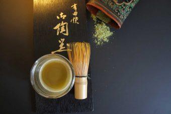 Energiekick: Green Matcha-Kurkuma Latte